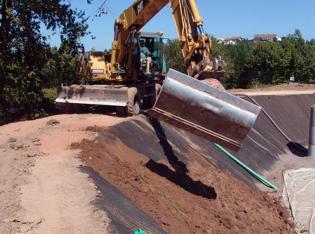 Erosionsschutz an Klärschlammreinigungsbecken